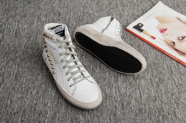 539972a1a4 US $107.0  2015 Fashion Golden Goose Sneakers Deluxe Brand, Superstar  Glitter Sneakers Genuine Leather Man Women Black Shoes Size EUR 34 46-in  Men's ...