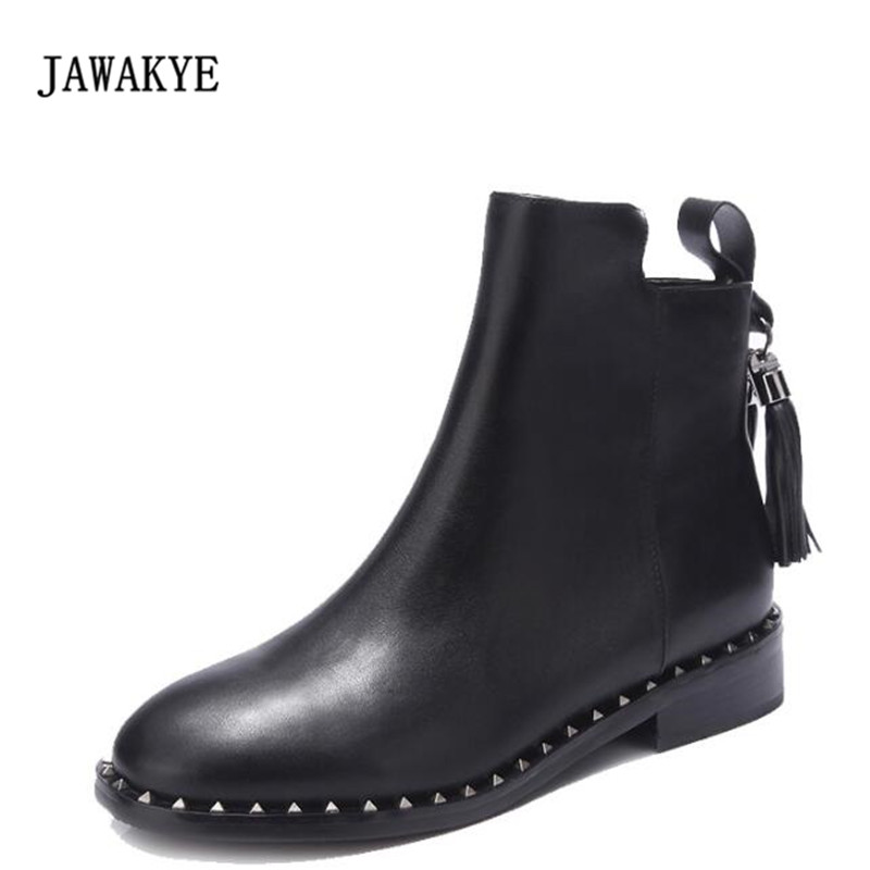 все цены на 2017 Black Real Leather Ankle Boots Women Round Toe Rivet Tassel Short Boots Woman Fashion Flat Martin Boots онлайн