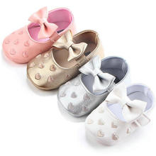 Baby moccasin with leather outsole infant prewallking shoes