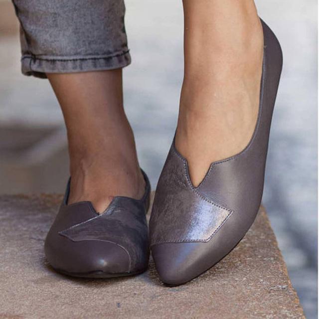 Kadın Rahat düz ayakkabı Loafer'lar Üzerinde Katı Kayma Tekneler Sığ Ayakkabı PU Sivri Burun Kadın Konfor Moda Bayanlar tek ayakkabı