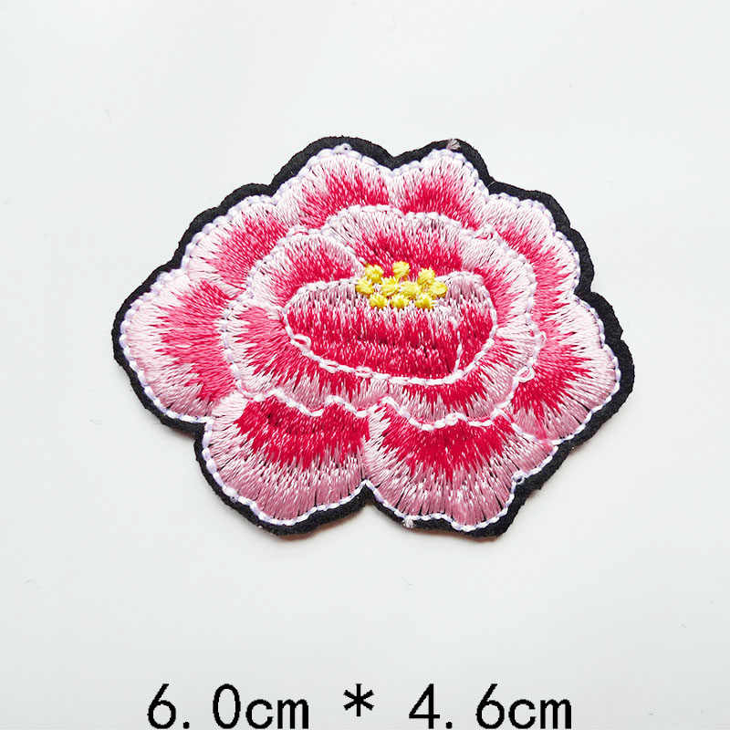 Nuovo Arrivo Hot melt adesivo fiore patch di Ferro sulle zone del ricamo di applique adesivi abbigliamento cucito FAI DA TE badge accessori