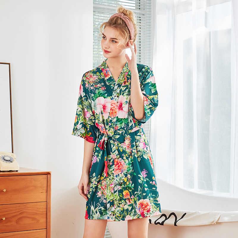 dafa8f730df0 ... Bunga Seksi Wanita Satin Jubah Bride Bridesmaid Pernikahan Jubah Kimono  Baju Tidur Baju Tidur Lingerie Kimono ...