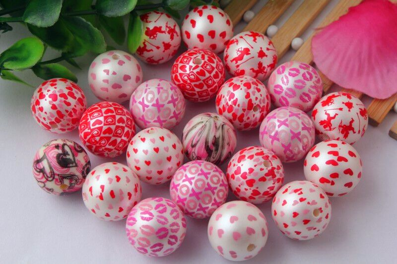 Mixed colorful 20mm Chunky round 100pcs/lot Valentine's Day fashion acrylic print heart bubblegum ball beads for kids jewelry-in Beads from Jewelry & Accessories