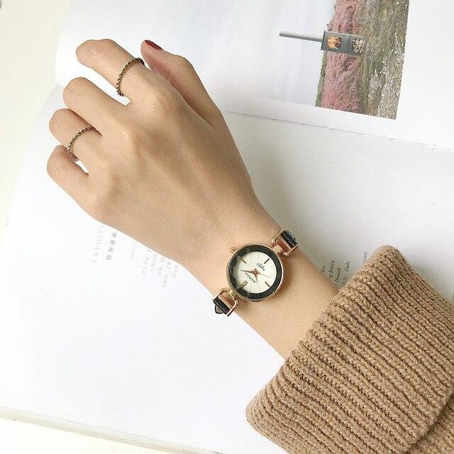 Luxe nouvelles femmes dames robe montres mode décontracté femme montres analogique quartz femme horloge avec bracelet en cuir vintage