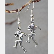 Vintage Silver Football Player Drop Earrings For Women Hanging Dangle Earrings Statement Earrings Girls Newest Fashion Jewelry