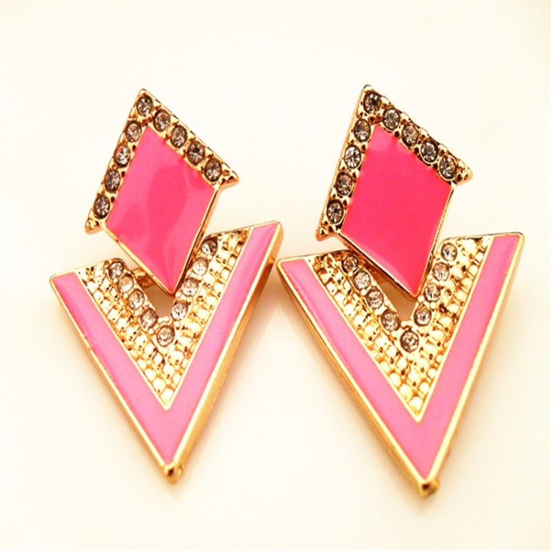 New Arrival Luxury Triangle Crystal Stud Earring For Women Vintage Fashion Gold Plated Earrings Summer Jewelry pendientes mujer