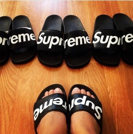 7fcbe6439fd6 14AW Supreme slippers man woman streetwear-in Slippers from Shoes on  Aliexpress.com