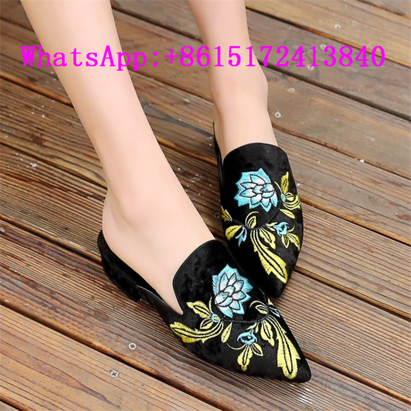 ФОТО Spring Autumn Outside Low Heel Embroider Loafers Slippers Women New Fashion Slides Pointed Toe Retro Mules Cute Shoes For Women