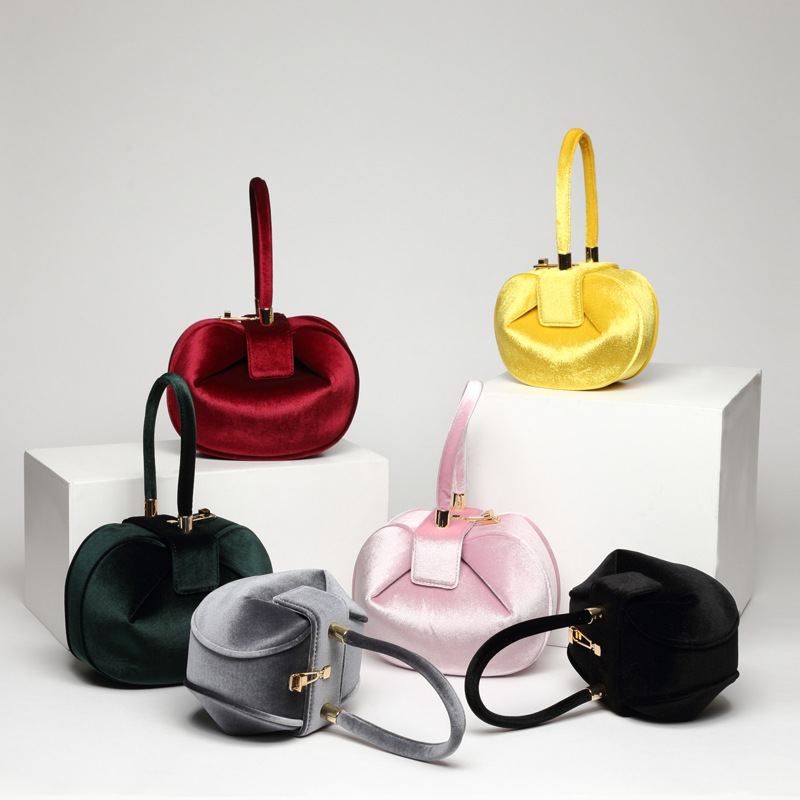 2019 European and American fashion retro handlebag ladies portable jingle dumplings wonton velvet handbags