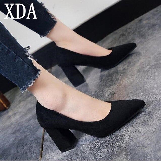 XDA 2018 de verano zapatos de mujer Zapatos de tacón grueso con bombas de  las mujeres dbe31cd2fdfb