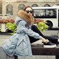 2016 Diseñador Real Cuello de Piel de Mapache Con Capucha Gruesa Capa Abajo para la Chaqueta de Invierno Mujeres Parka Mantenga Caliente del Invierno de Las Mujeres chaqueta