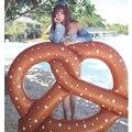 Engrossar infláveis brinquedo Pretzel piscina flutuante cama flutuante verão quente de praia festa jogo brinquedos grande 1.5 x 1.4 M para adulto / 1 M para crianças