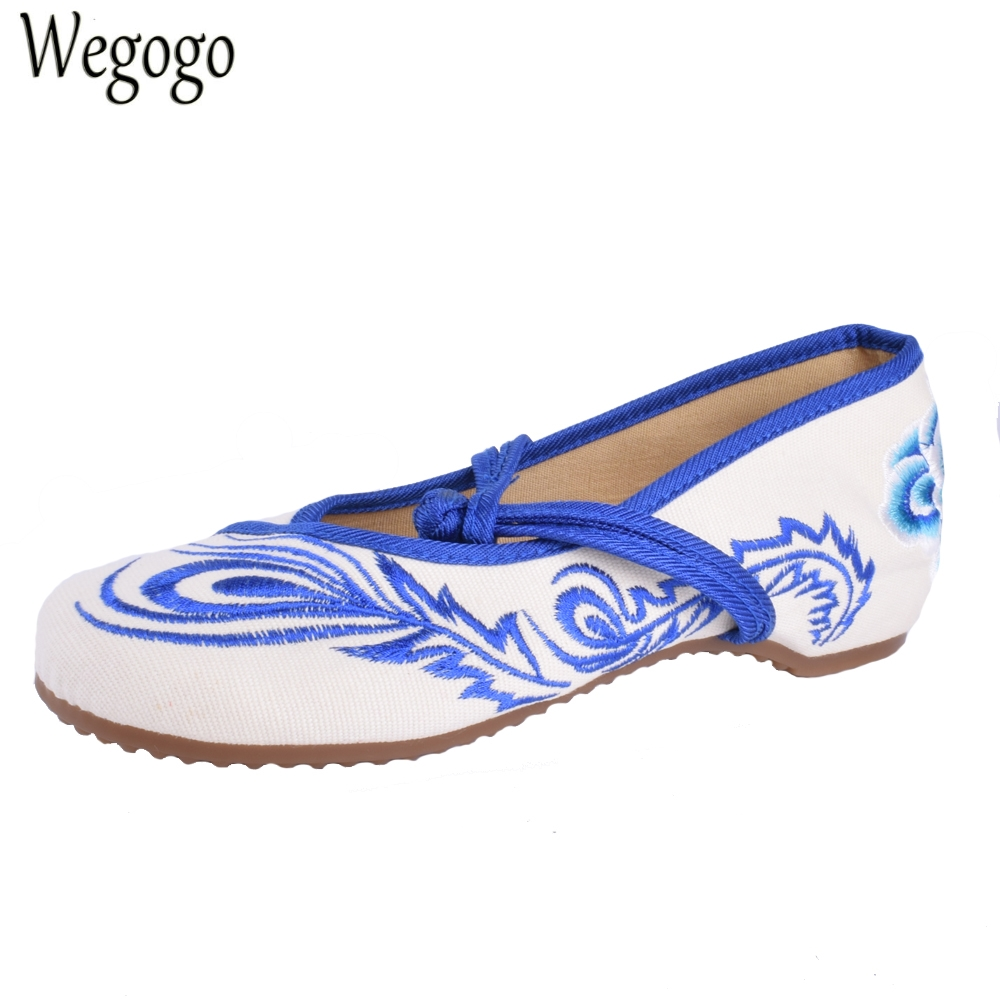 Vintage Embroidery Shoes Chinese old Beijing embroidered cloth Flats national dance Soft Canvas Single shoes Sze 34-41 women flats summer new old beijing embroidery shoes chinese national embroidered canvas soft women s singles dance ballet shoes