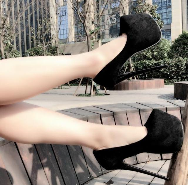 17Cm ultra-high heels fine heels women's shoes single shoes pointed waterproof platform small code high heels sexy. 3
