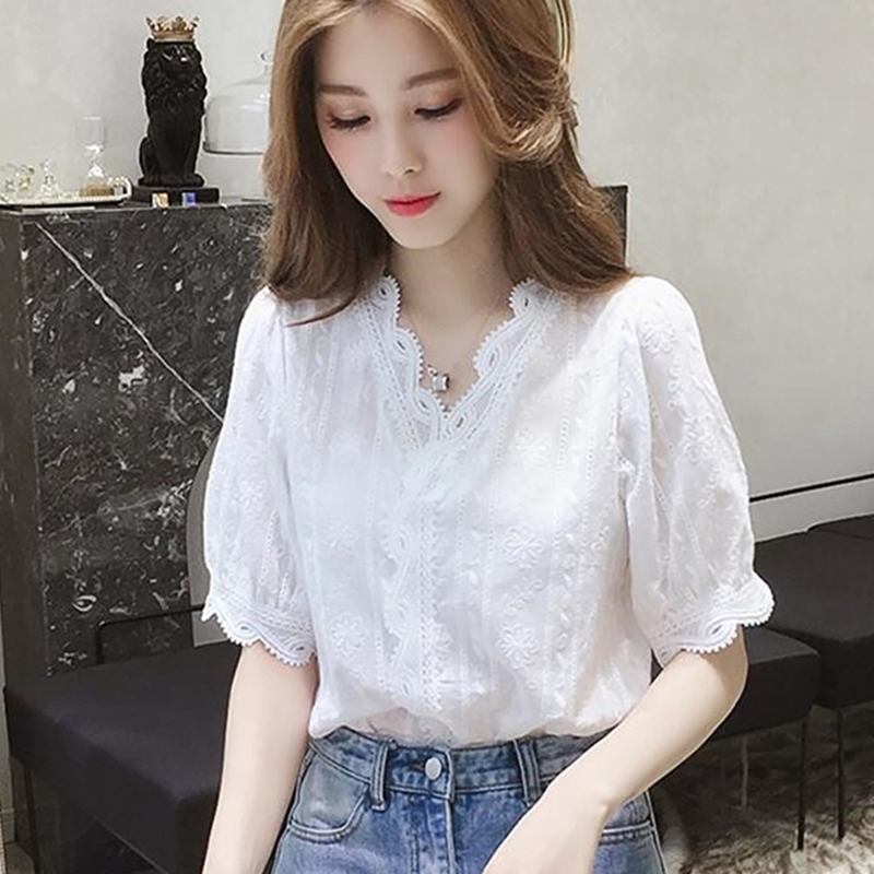 019 New Lace Hollow Out Sweet Loose White Women's V-Neck Blouse Half Sleeves Solid Blouse Shirt