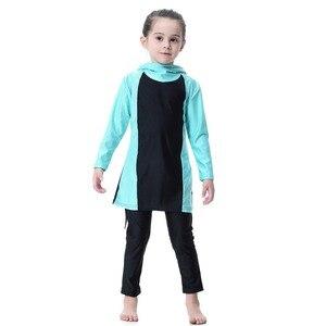 Image 4 - Синий купальник для маленьких девочек, детские мусульманские спортивные костюмы для плавания с длинным рукавом, водонепроницаемые детские толстовки для плавания для девочек, костюмы, пляжный купальник
