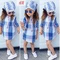 [Bosudhsou] I13 Девушки Корейский Стиль Прекрасный Летняя Одежда Устанавливает Детской одежды Случайные Хлопка Детей Плед Платье + Head шарф Комплект Одежды