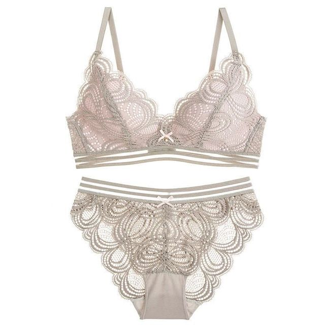 e821afac7d Women s Underwear Sets Japanese Sweet Girls Wireless Bralette Lace Cotton  Trianggle Cup Lingerie Female Set Sexy