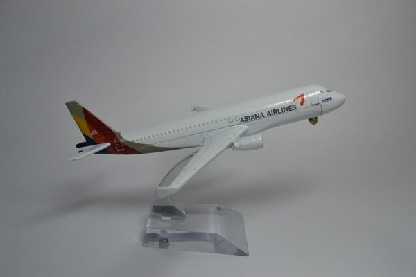 Free Shipping,A320 ASIANA Airlines,16cm,metal airplane models,airplane model, airbus prototype machine,