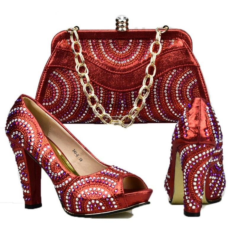 b5341a3a40e27 Pompes En Les Chaussures Mode Noir or Femmes Mariage Talons rouge Pour  Nouveau La Assorties Sac Italien De Et À Sacs Assortir Mis Partie qAHppZxwY