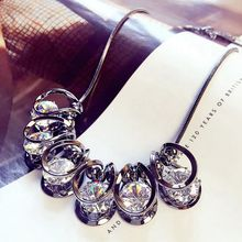 2017  women pendant necklace European short exaggerated crystal necklace chain collar bone