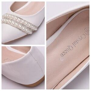 Image 5 - Crystal Queen Vrouwen Bruids Schoenen handgemaakte Dame parel witte bruiloft schoenen flats sexy comfortabele Witte Parel Jurk Schoenen