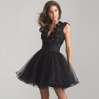Sexy-Short-Black-Cocktail-Dress-2016-V-Neck-neckline-Sleeveless-Robe-De-Cocktail-With-Backless-Lace.jpg_200x200