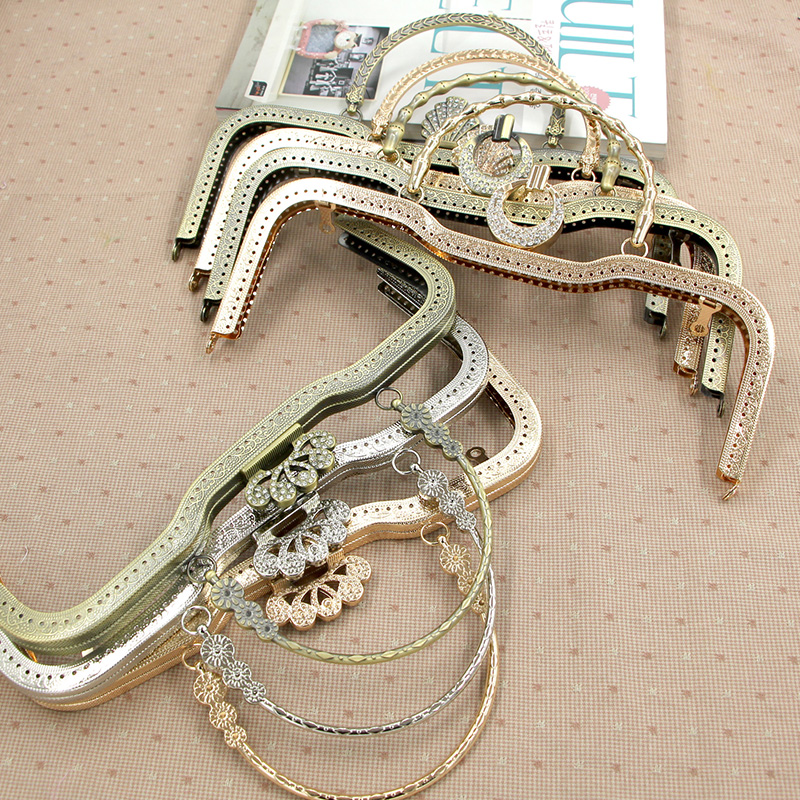 c4bb3b35a3 2016 Aliexpress Wholesale O Bag Handle Antique Brass Color purse frame 26.5  cm Vintage Style Metal Purse Frame Asas De Bolso