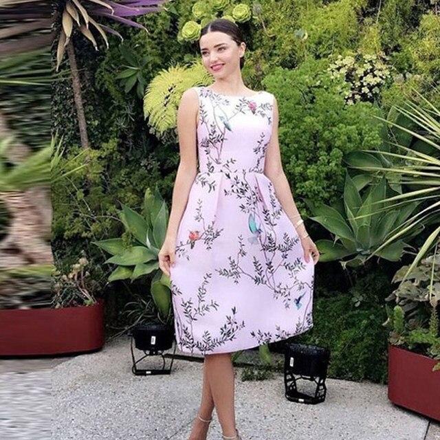 0820b4f234562 Miranda Kerr aves y estampado floral Rosa vestido sin mangas de cuello  vestido de la longitud