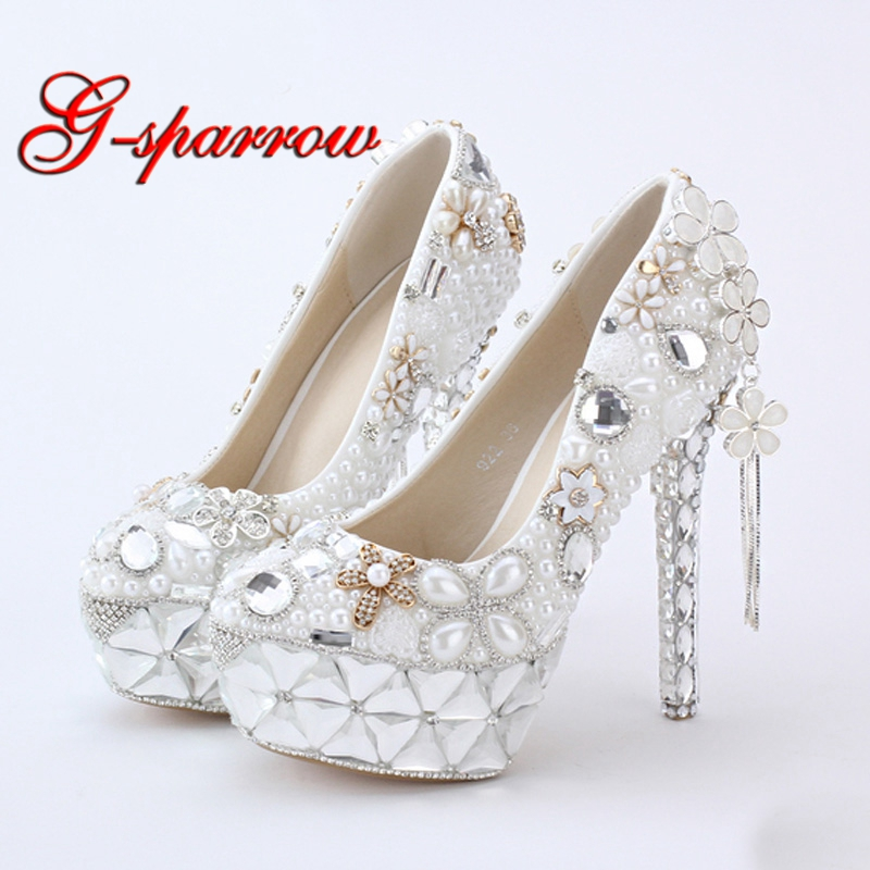 Wholesales 2018 White Pearl Bridal Wedding Shoes Flower Tassel Pendant 14cm High Heel Prom Party Shoes Bride Wedding Event Pumps