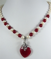 Beautiful 7 8mm Mixed White Pearl Red Jade Bead Heart Jade Pendant Necklace