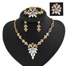 Fashin New Crystal Bracelet Set Dress Accessories Bridesmaid Jewelry Set Women Gold Color Necklace Long Earrings