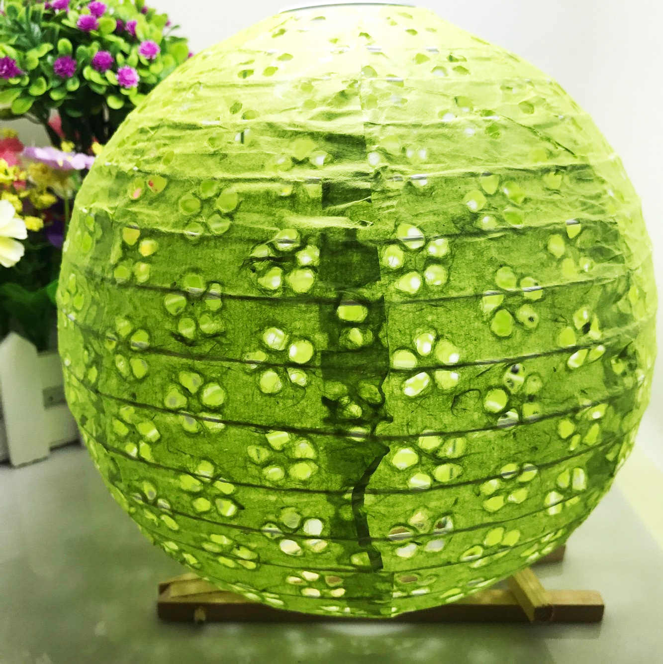 Nes Chinese Festival Supplies Green Lace like Hollow Paper Lanterns For Party and Wedding Decoration Hanging Paper Ball 4 sizes