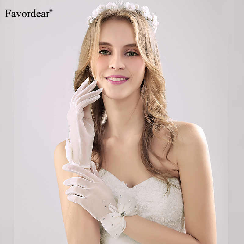 Favordear Wedding Accessories Wrist Length Bow Wedding Gloves Ivory Beading Gloves for Bride Elegant Finger Party Glove