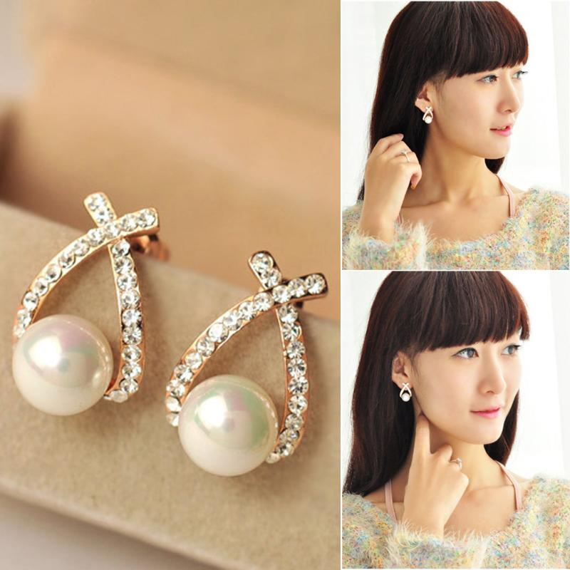 2018 Fashion Women Earring Elegant Cute and Artificial Pearl Stud Party Earrings Mini party ladies Ear Accessary