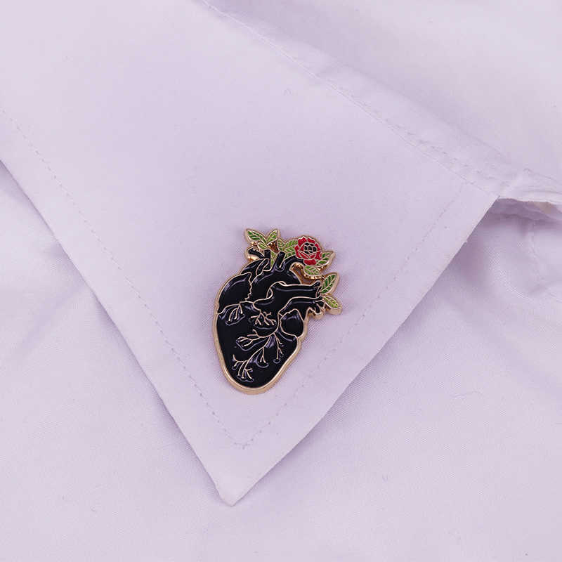 Siyah kalp anatomisi çiçek yaka Pin rozeti anatomik gotik hediye emaye pin