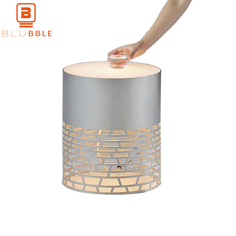 BLUBBLE Tea Hollow Out Table Lamp Originality Northern Europe Carved Flower Desk Lamp AC 90-260V Glass Bedroom LED Bedside LampBLUBBLE Tea Hollow Out Table Lamp Originality Northern Europe Carved Flower Desk Lamp AC 90-260V Glass Bedroom LED Bedside Lamp