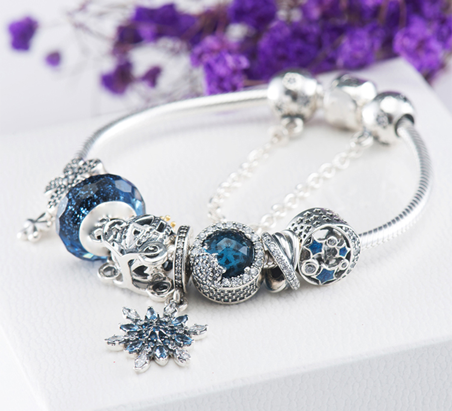 Kristie 100% 925 Sterling Silver New 1:1 Genuine Glamour Night and Star Shine Snowflake Bracelet Set Elegant Temperament SetKristie 100% 925 Sterling Silver New 1:1 Genuine Glamour Night and Star Shine Snowflake Bracelet Set Elegant Temperament Set