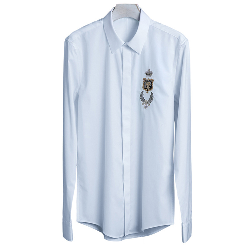 2018 neue Europa und Amerika Hohe Qualität Verfeinert Stickerei Crown Lion Mode herren Shirts Volle Hülse Casual Gothic M 4XL-in Legere Hemden aus Herrenbekleidung bei  Gruppe 3