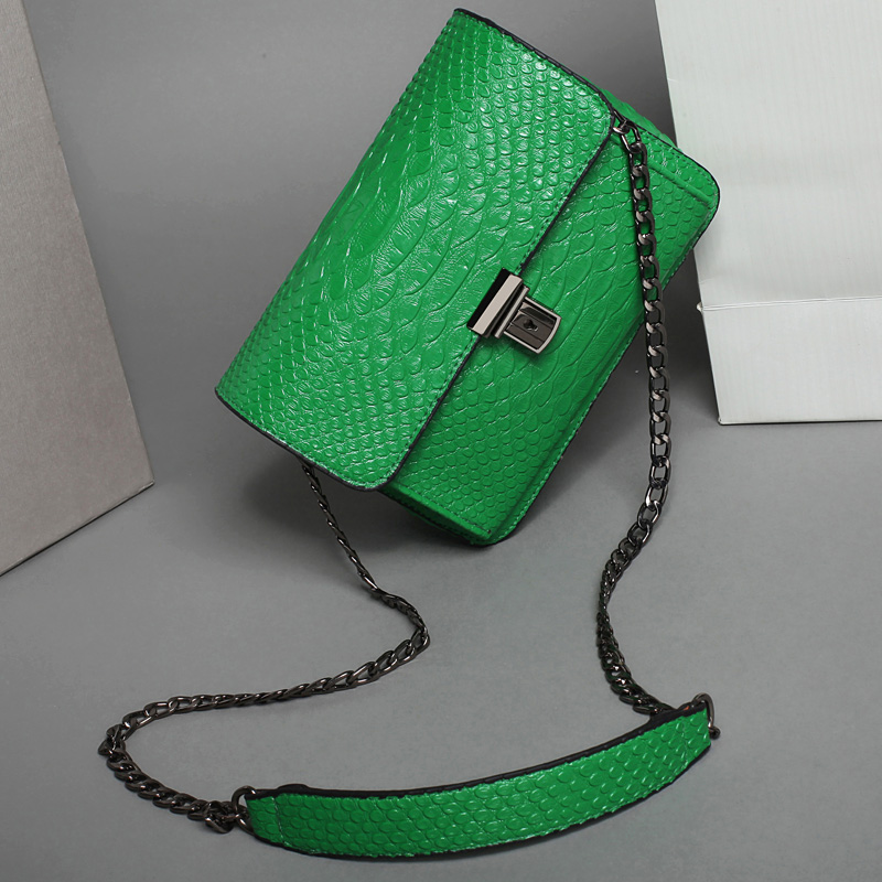 ФОТО Women Alligator Leather Chain Bag Female Flap Messenger Bags Summer Mini Crossbody Bag For Girls 2016 New High Quality Bolsos