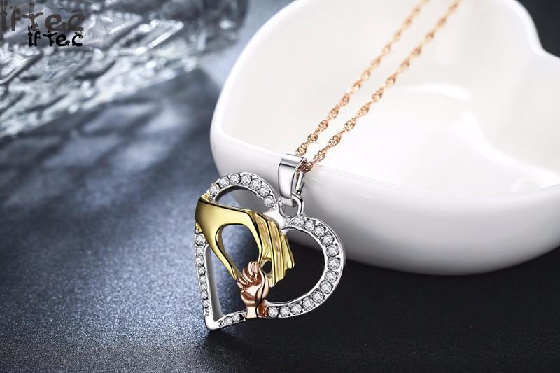 2019 Cubic Zirconia Mom Necklace Baby Heart Pendant Daughter Son Child Family Love Jewelry Friends Birthday Mother Days Gift Box 13