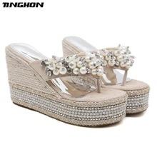 TINGHON Summer Wedge Slippers Platform High Heels Women Pearls Rhinestone Outside Shoes Wedge Slipper Flip Flop Sandals все цены