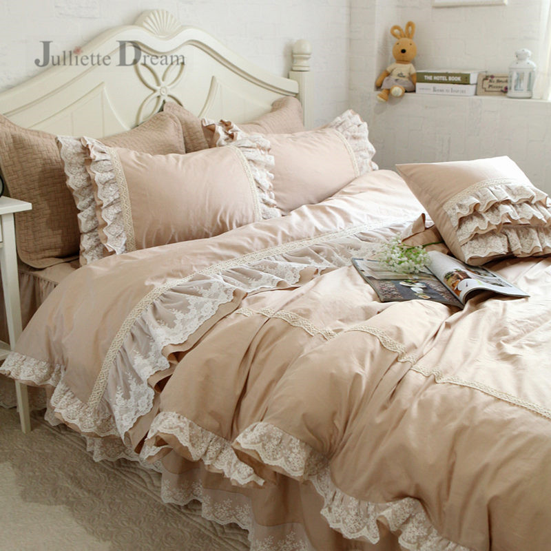 Top Luxury embroidery wedding bedding set lace ruffle duvet cover bed sheet bedspread romantic bedroom home