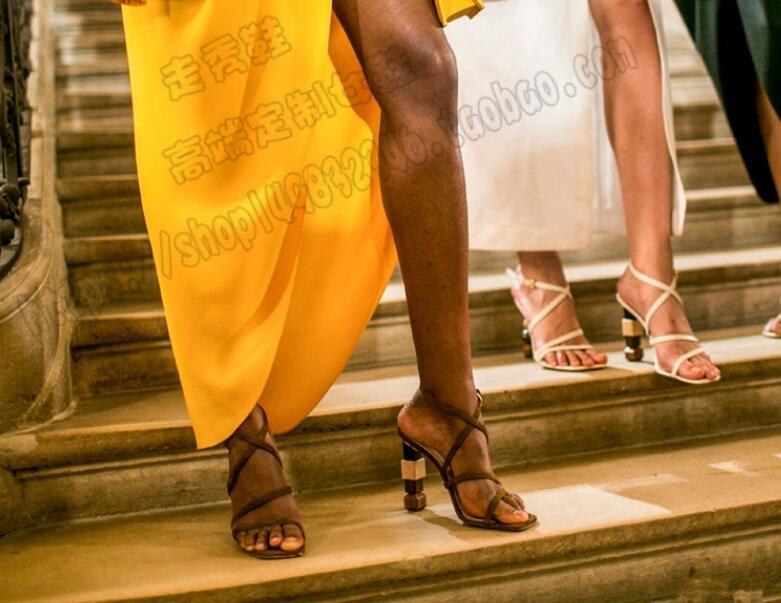 Peu Talon Fleur Couverture Profonde white Blanc Minces Cuir De Chaussures En Split Apricot Hot Mode Femmes Talons Abricot Sandales Bling New ZqBFFS