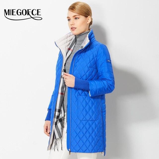 2017 Демисезонные женские пальто вместе с шарфики женские тонкие модные пуховики новые парки женские новые весенние дизайны женские пальто MIEGOFCE