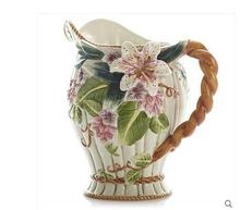Lily pottery vase is decorated with a simple decorative hydroponics type European of flower