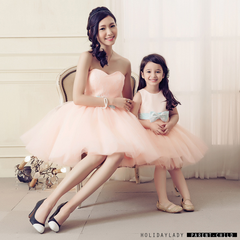 d4b0e4e32 Madre hija Vestidos Niñas princesa boda fiesta de noche elegante vestido  con BowTie Tutu falda danza ropa traje familia en Familia Ropa A Juego de  Mamá y ...