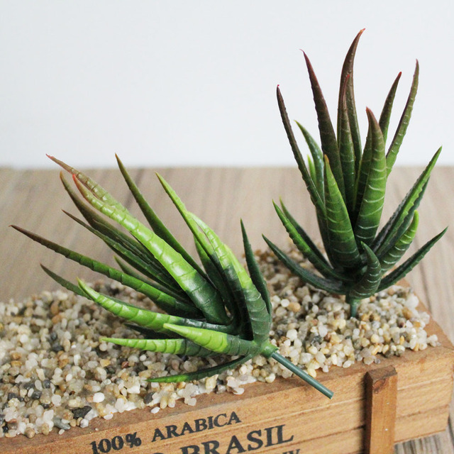 Aloe vera artificielle en pot 3