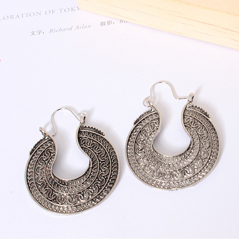 E0383 Bohemian Style Ancient Silver Color Hoop Earring For Women Vintage Round Circle Earring Statement Ethnic Jewelry Wholesale