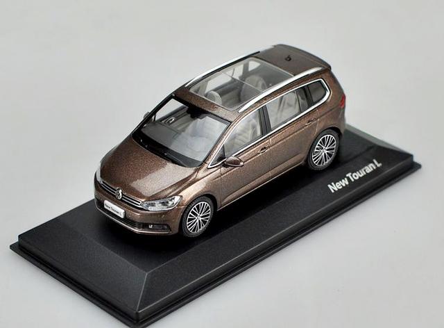 Fábrica 1:43 2016 NUEVO TOURAN L Modelo modelos de automóviles de aleación Favoritos
